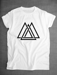 Geometric Interlocking Triangle Maze Shapes Hipster T-Shirt - Cool Shirts - Ideas of Cool Shirts - Interlocking Triangle Maze Shapes Hipster by ResilienceStreetwear T-shirt Broderie, Printed Shirts, Tee Shirts, Cool Shirt Designs, Geile T-shirts, T Shirt Painting, Shirt Print Design, T Shirt Printing Design, Apparel Design