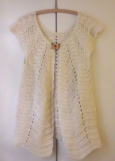 "Ravelry: lydienne's Cardigan ""Pétales"" Adult - free pattern by Marjoline Petit"