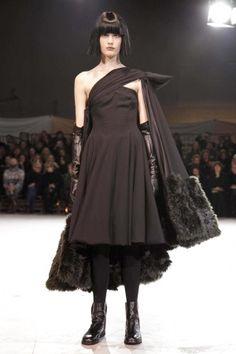 Yohji Yamamoto Ready To Wear Fall Winter 2013 Paris