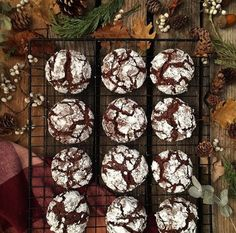 Palm trees with strawberry jam - HQ Recipes Chocolat Halloween, Strawberry Jam Recipe, Cookie Dough Recipes, Sourdough Recipes, Crinkle Cookies, Weird Food, Cookies Et Biscuits, Quick Easy Meals, Cake Pops
