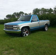 1991 Chevy Truck - this paint style but a darker blue and cream color 87 Chevy Truck, Obs Truck, Custom Chevy Trucks, Chevy Silverado 1500, Classic Chevy Trucks, Chevy Pickups, Chevrolet Trucks, Trucks Only, Gm Trucks