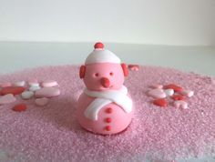 Check out this item in my Etsy shop https://www.etsy.com/listing/254539087/christmas-snowman-fondant-cake-cupcake