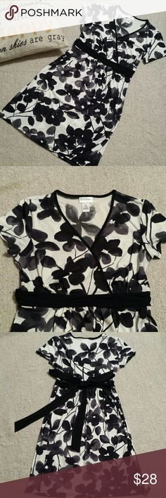 Motherhood Maternity Floral Wrap Dress Like new excellent condition, worn only once. Stunning Motherhood Maternity black/white floral wrap dress. Size small. Short sleeves with a wrap bust dress and ties at the back. Motherhood Maternity Dresses Midi