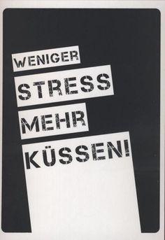 """Postkarte Spruch Liebe lustig: """"Weniger Stress Mehr Küssen!"""""""