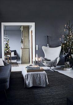 Modern living room with minimalistic Christmas Interior Design. Dark Christmas, Christmas Home, Norwegian Christmas, Interior Exterior, Room Interior, By Lassen, Christmas Interiors, Living Spaces, Living Room