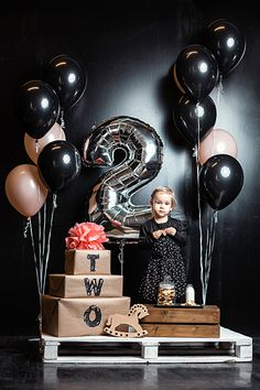 Ideas For Birthday Party Photography Ideas Balloons 50th Birthday Decorations, 2nd Birthday Party Themes, Birthday Photos, Birthday Balloons, Balloon Decorations, Girl Birthday, Birthday Parties, Themed Parties, Ballons Fotografie