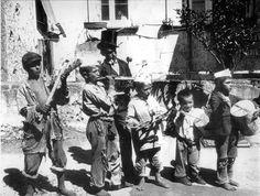 Naples, Italy Child buskers, Bambini con strumenti musicali (suonatori e guaglioni) in una strada di Piedigrotta a Napoli  Chauffourier, Gustave Eugène c1890-1900