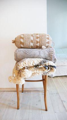 Pillow Crochet Marrakech Beige triangles and por lacasadecoto, €26.00