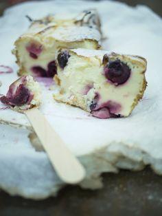 tarta queso cake de mascarpone y cerezas dulces