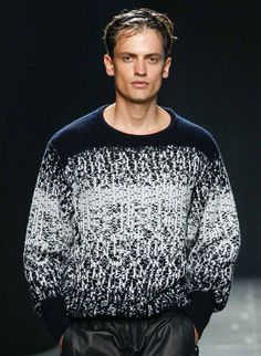 Bottega Veneta - Spring 2015 Knitwear Fashion, Knit Fashion, Sweater Fashion, Men Sweater, Mens Fashion, Men's Knitwear, Ombre Sweater, Mens Clothing Trends, Mens Trends