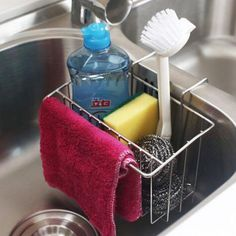 12 Amazing Kitchen Sink Organization Ideas Having a clean and organized kitchen eases your tasks much better than a cluttered one. These are my 12 amazing kitchen sink organization ideas to help you! Kitchen Sink Caddy, Best Kitchen Sinks, Kitchen Sink Organization, Sink Organizer, White Kitchen Cabinets, New Kitchen, Cool Kitchens, Organization Ideas, Organized Kitchen