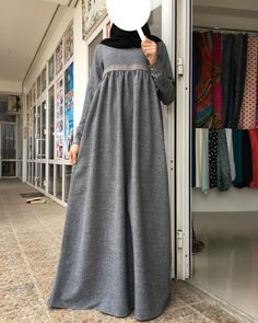 Image may contain: people standing Abaya Fashion, Fashion Outfits, Hijab Evening Dress, Hijab Style Dress, Mode Abaya, Muslim Women Fashion, Sleeves Designs For Dresses, Hijab Fashionista, Maxi Shirt Dress