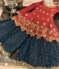 No refund/No exchange ❌ For details and order contact on WhatsApp 00923007249944 Shipping worldwide 🌍 Coustomization done on clients demand 🧵✂👗👚 Pakistani Mehndi Dress, Pakistani Wedding Outfits, Pakistani Wedding Dresses, Bridal Outfits, Shadi Dresses, Indian Dresses, Indian Outfits, Walima Dress, Stylish Dress Designs