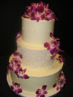 wedding cakes by celebrity cake studio tacoma wa white cakes. Black Bedroom Furniture Sets. Home Design Ideas