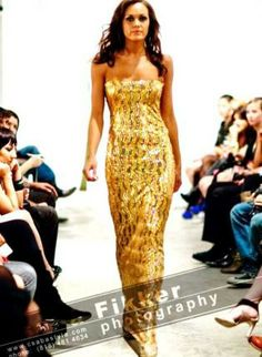 Be the queen of your Prom in this gold dress.
