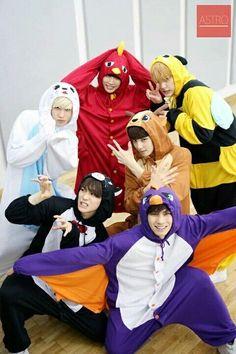 ASTRO being their adorable selves Kaisoo, Kyungsoo, Kim Jongin, Chanbaek, Kpop Wallpaper, Astro Wallpaper, Cha Eunwoo Astro, Astro Boy, Jooheon