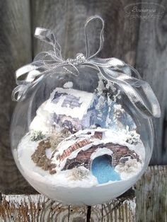 Znalezione obrazy dla zapytania bombki 3d Christmas Balls, Christmas Ornaments, Snow Globes, Miniatures, Bulb, Holiday Decor, Glass, Home Decor, Xmas