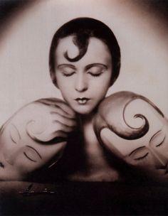 VINTAGE PHOTOGRAPHY: Studio Manassé - Inge Borg with Masks 1928