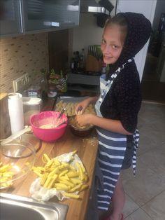 když máš doma talent :-) česnekový french fries a kuřecí stripsy No.1