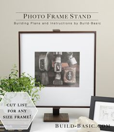 SO EASY! #DIY Photo Frame Stand! Free #Woodworking #BuildingPlans and cut list for ANY size frame.