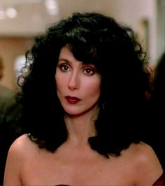 Cher's hair in the film Moonstruck Divas, Beautiful People, Beautiful Women, Cher Bono, Movies Coming Out, Actrices Hollywood, Oscar Winners, Look Vintage, Celebrity Photos