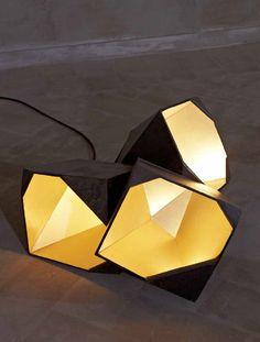 Rock Chandelier Floor, Gunjan Gupta, édition limitée de 8 pièces (Erastudio Apartement Gallery) © Erastudio Apartement Gallery  #lighting #interiordesign