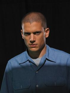 Wentworth Miller and Sarah Wayne Callies in Prison Break Michael Scofield, Celebrity Dads, Celebrity Crush, Prison Break 3, Wentworth Miller Prison Break, Michael And Sara, Leonard Snart, Sarah Wayne Callies, Dominic Purcell