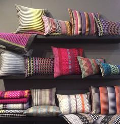 Margo Selby using weaving to create patterned cushions. Photo Pillows, Bed Pillows, Cushions, Scarf Display, Sewing Studio, Bedroom Colors, Soft Furnishings, Home Textile, Decorative Pillows