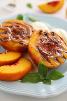Grilled Peaches with Cinnamon-Sugar Butter – Juicy, sweet grilled ...