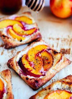 18 Easy and Inexpensive Desserts You Can Make with Puff Pastry: Peach Tart with Goat Cheese & Honey { Think Food, Love Food, Delicious Desserts, Yummy Food, Easy Desserts, Jello Desserts, Cooking Recipes, Healthy Recipes, Honey Recipes