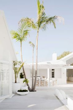 Happy Sunday gang 😘 Palms, Pots, Pergolas and a Pool - the four Ps for creating a coastal oasis 🏝😎 We'll teach you how to create your own… Inspire Me Home Decor, Exterior Design, Interior And Exterior, Interior Paint, White House Interior, Interior Ideas, Three Birds Renovations, Nautical Home, Coastal Homes