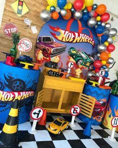 Alice, Ruan, Lucas 2, Party, Wells, Ford, Fiesta Decorations, Hot Wheels Birthday, Hub Caps