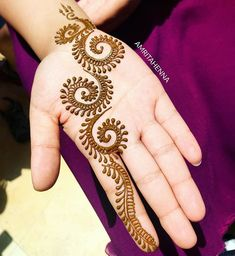 Easy and Simple Henna Designs Ideas That You Can Do - . Easy and Simple Henna Designs Ideas That You Can Do – Henna Hand Designs, Eid Mehndi Designs, Mehndi Designs Finger, Simple Arabic Mehndi Designs, Mehndi Designs For Beginners, Mehndi Design Photos, Mehndi Designs For Fingers, Mehndi Simple, Beautiful Mehndi Design