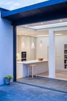 Muswell Hill House in the UK with several Secto Design lights. Design by Jones Associates Architects. Home Design, Interior Design, Interior Rendering, Design Ideas, 1930s House Exterior, House Extension Plans, Extension Ideas, Indoor Outdoor Kitchen, House Trim