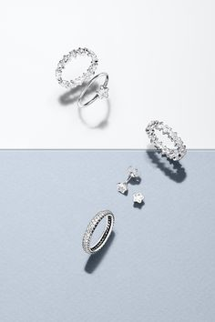 Accent your New Year's outfit with star-shaped pieces from PANDORA. #PANDORAring #PANDORAearrings