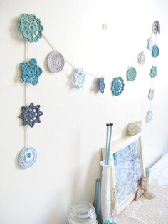 Nellie, coastal cottage chic, crochet flower garland in ocean blues, with free gift wrapping - MADE TO ORDER, by Emma lamb. via Etsy. Love Crochet, Diy Crochet, Crochet Crafts, Crochet Flowers, Crochet Projects, Crochet Garland, Crochet Decoration, Crochet Home Decor, Crochet Motifs