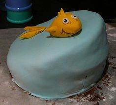 top tier of lorax topsy turvy cake