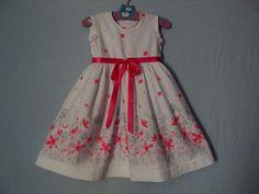 me encantan estos vestidos suaves y femeninos