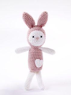 Amigurumi Heartfelt Bunny #crochet #freepattern  Such a cute gift for a child, even a friend!