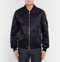 Ensuring a soft and cosy feel, this bomber jacket by British powerhouse <a…
