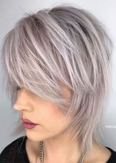 60 Most Universal Modern Shag Haircut Solutions Short-to-Medium Shattered Gray Shag Medium Shag Hairstyles, Short Shag Hairstyles, Edgy Haircuts, Thin Hair Haircuts, Cool Hairstyles, Short To Medium Haircuts, Haircut Thin Fine Hair, Fine Thin Hair, Bobs For Thin Hair