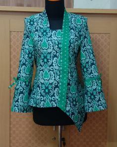 Mode Batik, Blouse Batik, Kebaya, African Fashion, Ootd, Blazer, Jackets, Outfits, Women