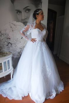Foto produzida para o Facebook da loja de vestidos de noiva La Sposa em Itabuna-BA.