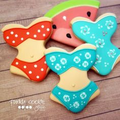 Let's go swimming! Sister Bay, Summer Cookies, Cookie Frosting, Cute Cookies, How To Make Cookies, Edible Art, Cookie Decorating, Summer Time, Letting Go