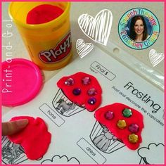 Print-and-go play dough mats! Enjoy a cupcake-themed day in speech therapy!