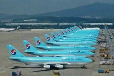 Korean Air Cargo Boeing 747-4B5F/SCD lineup