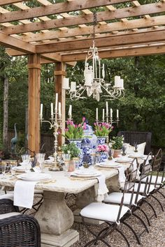 Providence Design - Gracious Dining