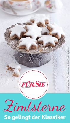 Eine Weihnachtszeit ohne Zimtsterne gibt es gar nicht. Deshalb haben wir hier das perfekte Rezept für Zimtsterne. Hier zeigen wir euch, wie ihr den Plätzchen-Klassiker nachbacken könnt!