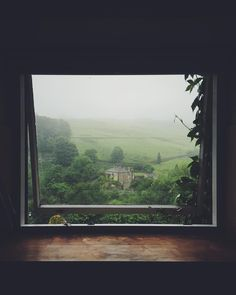 Moody summer morning. Think i'll stay in bed and listen to the birds sing... Oh! ICYMI this week's podcast is now up. I'm having a natter with @stylonylon about her past life as a journo and how it's not really all that different from her work now as a blogger & podcaster. Search 'hashtag authentic' in your podcast app or click the link in my bio to listen. Totally free! x #hashtagauthentic #meandorlasview