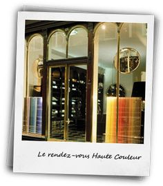 The Haute Couleur appointments are held exclusively in the experimental studio in the boutique at 21 Galerie Véro-Dodat, Paris.